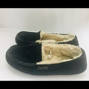 Ugg black fluffy slippers size 8 moccasins Ansley